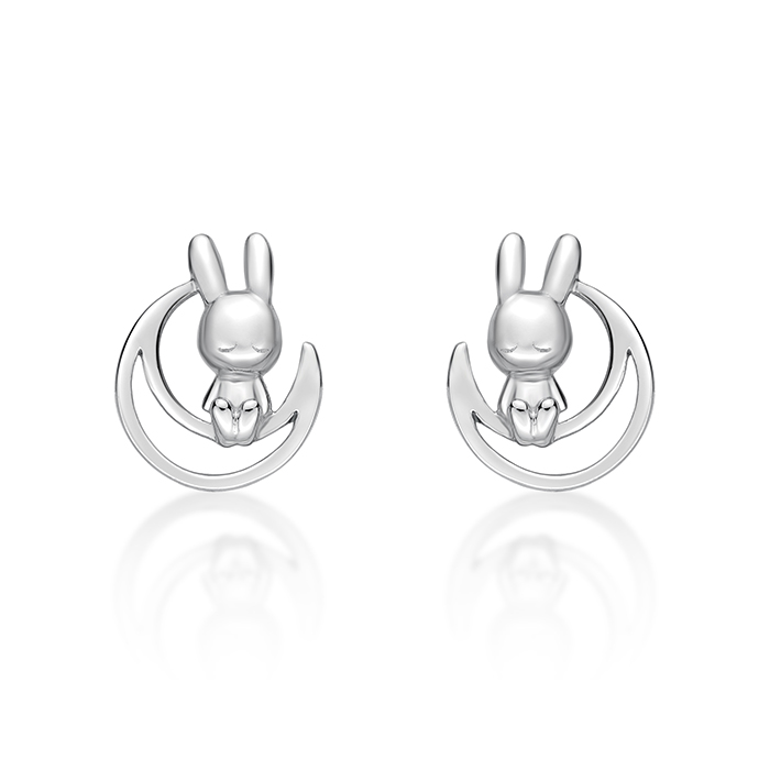 Rabbit C. on Moon Earring (in RH)